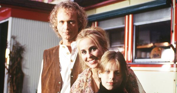 Luke (Anthony Geary), Laura (Genie Francis) and Lucky ...