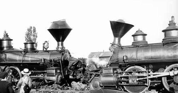 Train Wrecks Etc Head On Train Crash Video Train Train Wreck