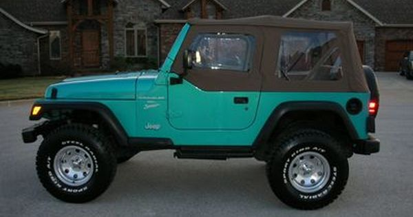Oh My Gosh Is This Real Life 1997 Teal Jeep Wrangler I Want It