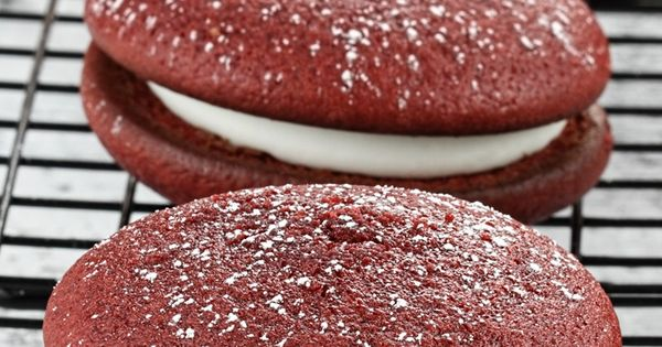 Sandwich cookies, Red velvet and Velvet on Pinterest
