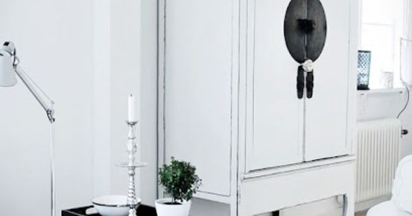 black and white cabinet barefootstyling.com ✿