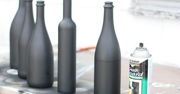 chalkboard wine bottles DIY Totally love this Idea! You could use this