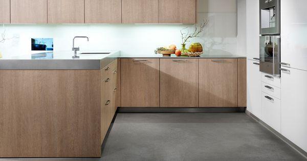 eggersmann cuisine ch ne stratifi plan de travail en granit compos s sur la photo en inox. Black Bedroom Furniture Sets. Home Design Ideas