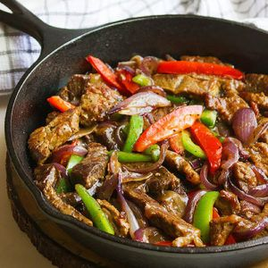 Pepper Steak With Onions Recipe On Yummly Yummly Recipe Pepper Steak Stuffed Peppers Pepper Steak And Onions