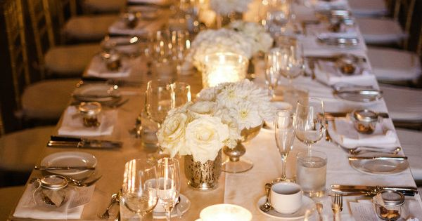 glamorous all white table Photography by jennanddavestark-..., Wedding Classic table setting! Planning