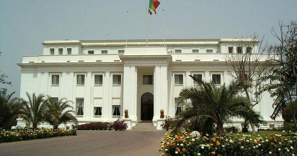 The presidential palace of senegal historical patrimony for Fenetre mermoz dakar