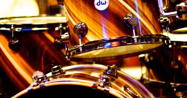 Drum Workshop Collector's Series, Twisted Rainbow