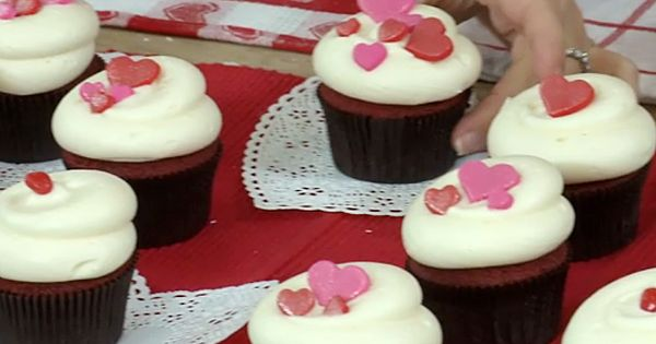 DC Cupcakes recipe! Red Velvet Cupcakes with Vanilla Cream Cheese Frosting ValentinesDay