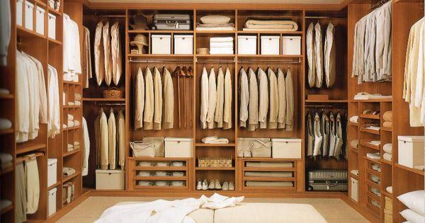 Cabina armadio per i mei numerosi vestiti la mia - Sognare cacca nel letto ...