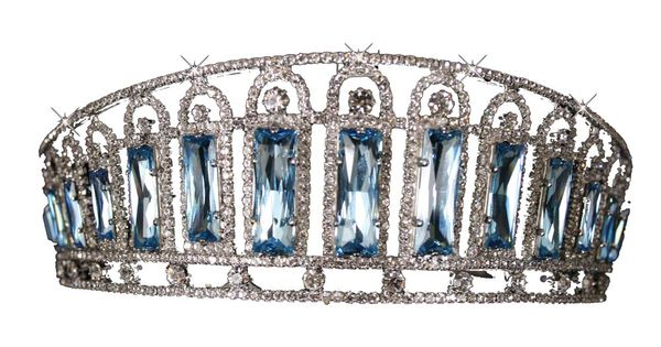 Royal Crowns and Tiaras of the World | empress alexandra had the