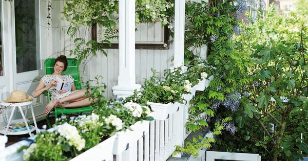 White and green balcony classic elho pot balcony inspiration flowers elho green balcony - Flowers hanging baskets porches balconies ...