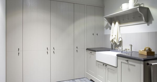 Kitchen or bathroom cabinets combination of doorstyles for Bathroom cabinets quebec