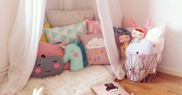Pillows! mommmo design: GIRLY READING NOOKS