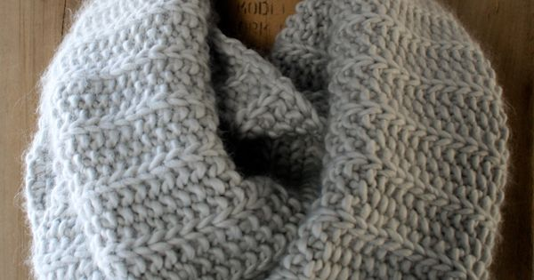 Super Soft Merino Fluted Cowl | The Purl Bee free knitting pattern