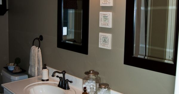Decorating small spaces on a budget pictures bathroom for Inexpensive bathroom updates