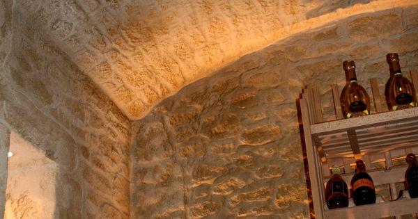 l 39 enduit imitation pierre decopierre donne du cachet votre cave vin r alisations. Black Bedroom Furniture Sets. Home Design Ideas