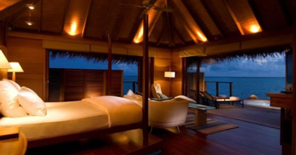 Romantic beach honeymoon love this looks like twilight for Honeymoon suites in louisville ky