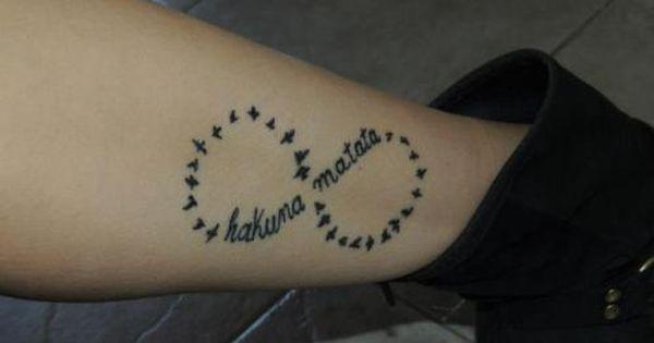 frase hakuna matata infinito y aves tatuajes para mujeres tattoos pinterest tatuajes. Black Bedroom Furniture Sets. Home Design Ideas