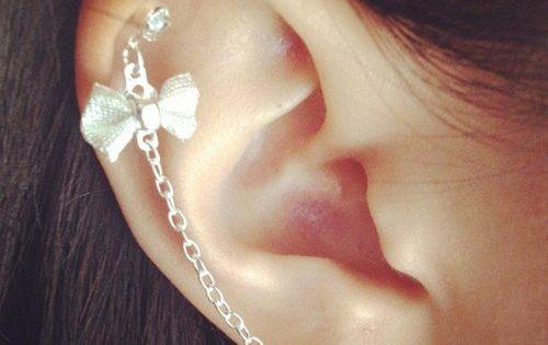 Silver Bow earcuff