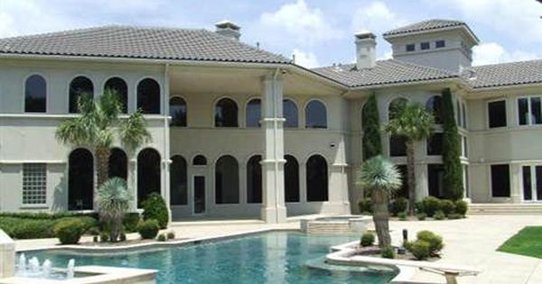 Foreclosures On Million Dollar Homes Surge Million Dollar Homes Big Mansions Luxury Homes Dream Houses