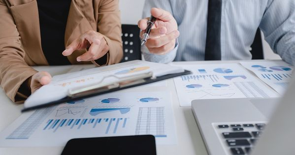 صناديق الاستثمار في الأسهم كيفية اختيار الصندوق المناسب للإستثمار Trading