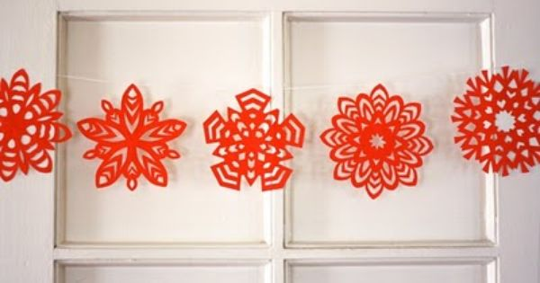 The Best Free Crafts Articles: DIY Striped Paper Ornament, How To Make