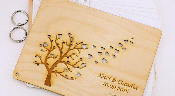 Holzbuch Baum Mit Fliegende Herzen Gravur Hochzeit Geburtstag Geschenk Baum Hochzeit Hochzeit Geburtstag