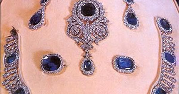 queen Hortense tiara parure royal sapphire tiara netherlands
