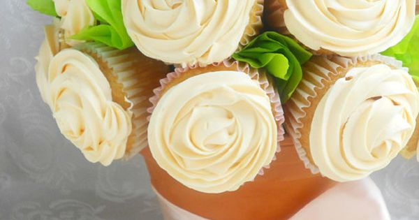 How to make a White Rose Cupcake Bouquet