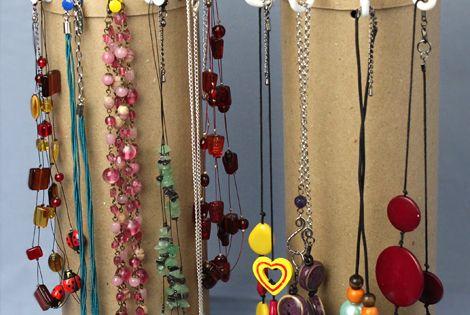 Tutoriel : comment faire une suspension pour ses colliers à partir d'une