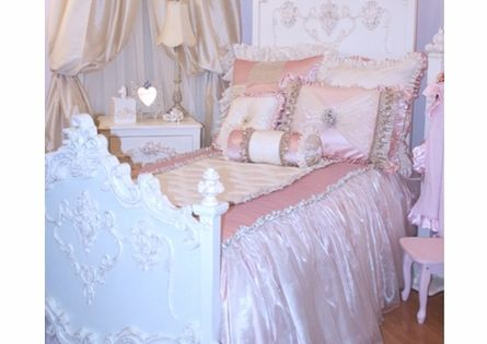 Elegant Girls Room
