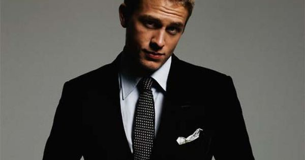 charlie hunnam. sexy. image him in fifty shade as Elliot.