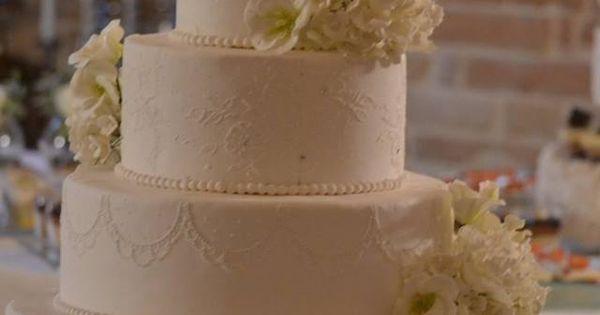 Wedding cake - la Torta Nuziale con decorazioni fiori di zucchero  My ...