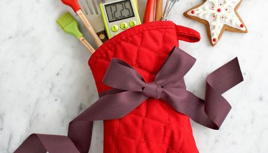 This woman has 100s of amazing ways to wrap gifts and crafty