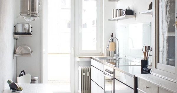 How to arrange a small kitchen - Arranging a small kitchen ...