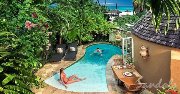 Small walk in plunge pool new backyard ideas pinterest for Walk in swimming pool designs
