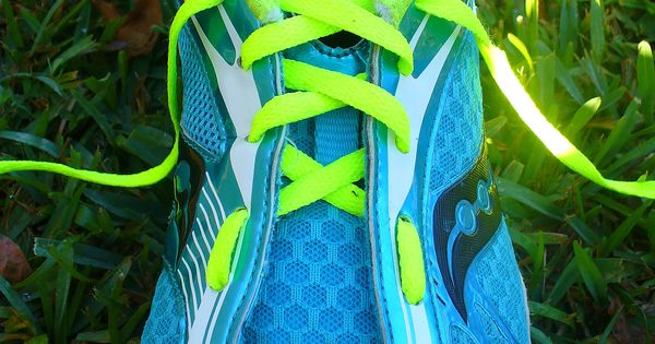 Running Shoe Lacing Techniques: How to tie your running shoes to fit