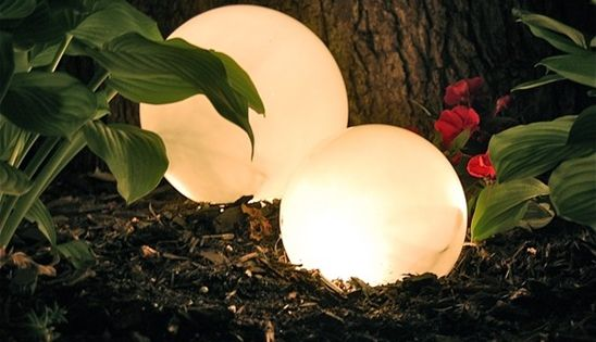 DIY Garden Globe made from opaque light globe (cheap at thrift store