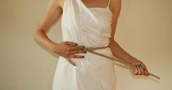 how to make a female toga with sleeves