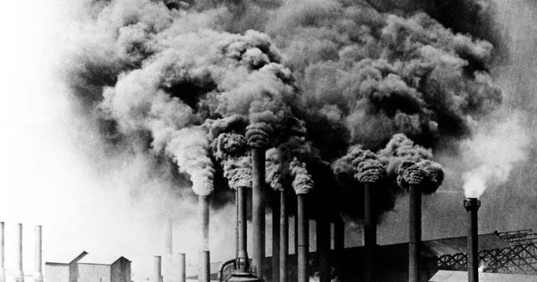Smoke pollution produced by Pittsburgh factories ...