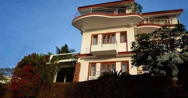 5bhk Picturesque Villa With Private Swimming Pool For Daily Rent In Bardez Goa Villa Holiday Home Holiday Villa