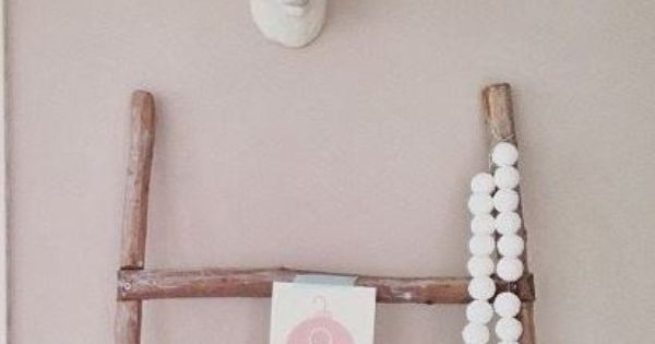 Wood ladder with animal bust baby smith nursery pinterest babykamer slaapkamer en kinderkamer - Decoratie hoofdslaapkamer ...