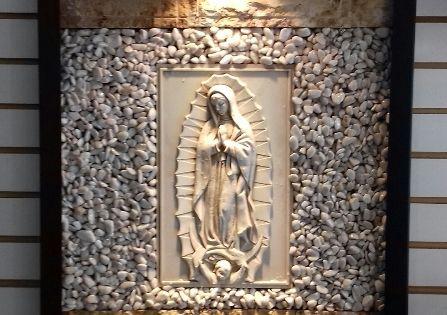Fuente De Pared O Muro Lloron Con Virgen De Guadalupe Sus