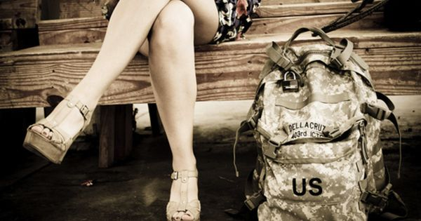 images of army couples love wives romance soldier ...