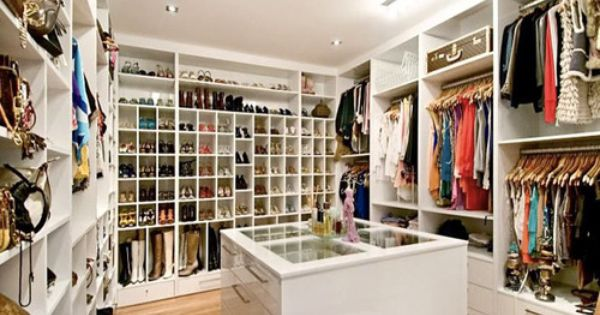 Walk-In Closet Design Software | Walk-in Closet Ideas | Lauren's Style Library.