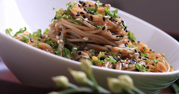 Sesame ginger soba noodles vegan