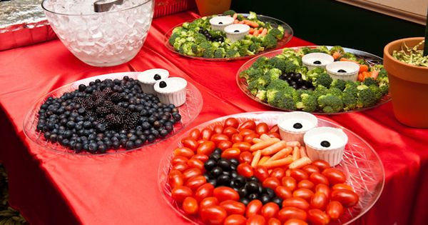Sesame Street party food trays, I love it for her birthday party!