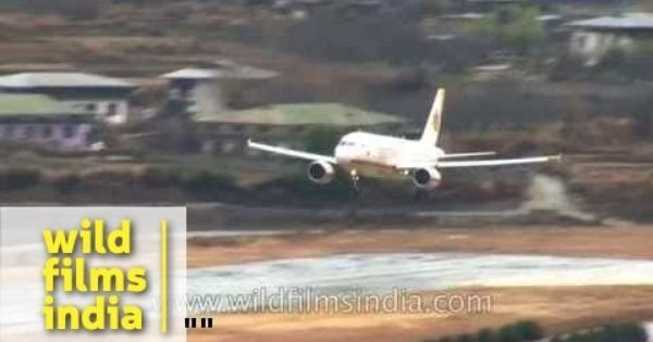 Most Difficult Landing In The World Bhutan S Paro Airport In Winter Rain Paros Bhutan Difficult