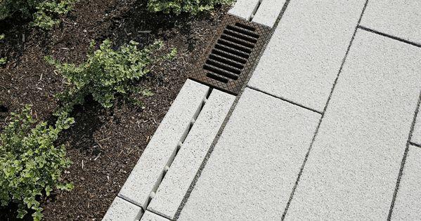 Beton Entwasserungsrinne Entwasserung Wasser Im Garten Haus Und Garten