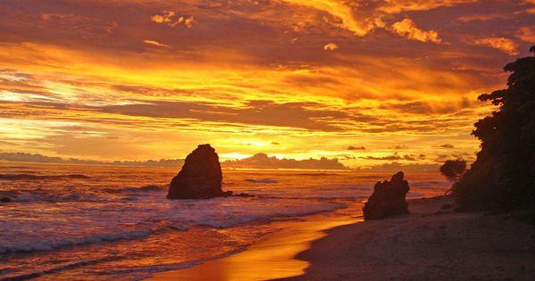 Florblanca Resort, Santa Teresa, Costa Rica via Jetsetter >> Awesome sunset!!!! JetsetterCurator